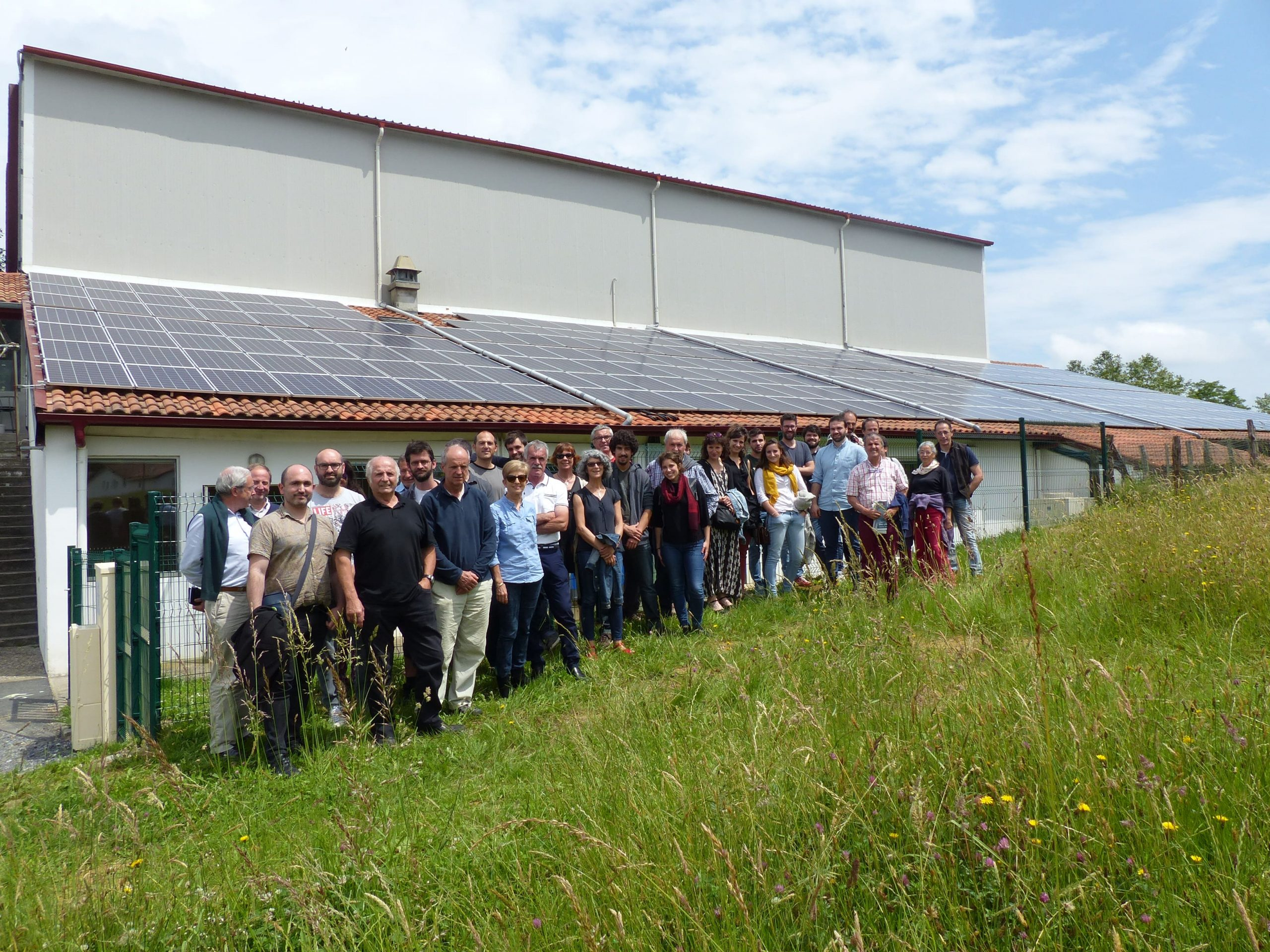 Sharing power to foster renewables: the cooperatives model